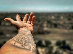 Une alternative au tatouage au Henné noir pour un tatouage temporaire