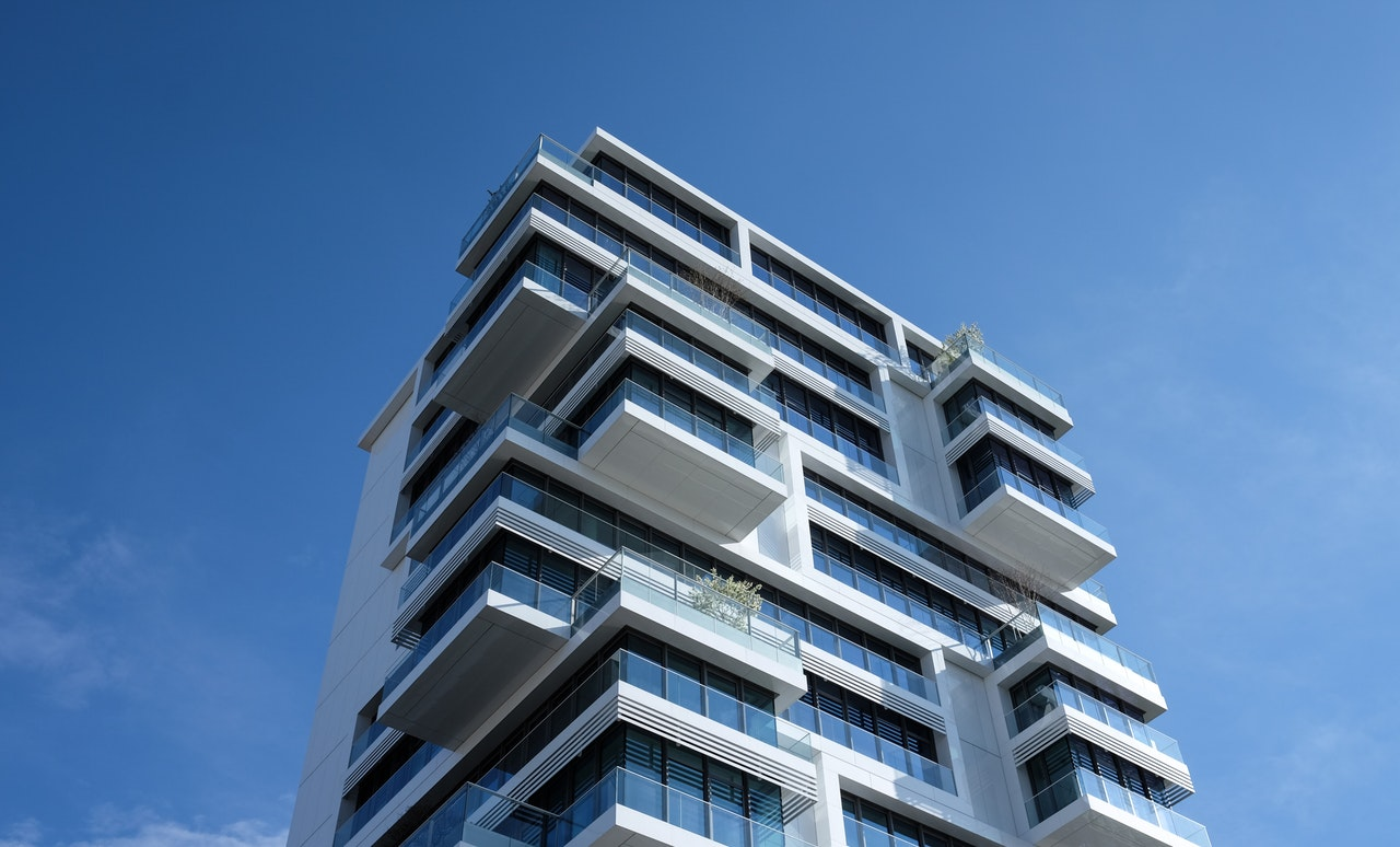 houses-building-blue-sky-appartments-87223