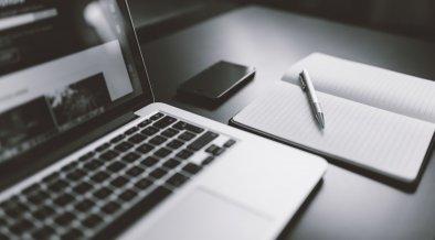 iphone-notebook-pen-working-34088
